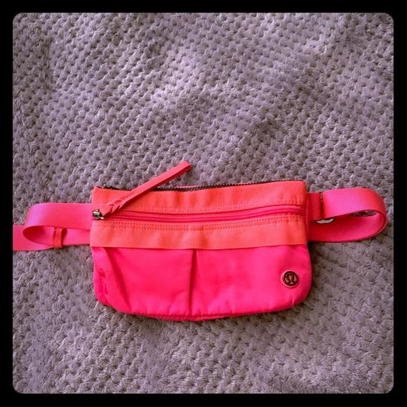 lululemon athletica Handbags - Lululemon Free Spirit Bag